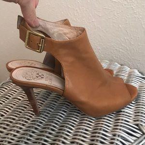 Vince Camuto Peep Toe Heel Sandals Size 6 Camel
